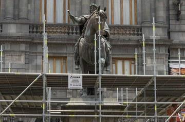 Rehabilitación de la escultura El Caballito, CDMX, México